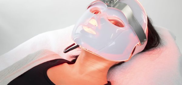 Women Using Pearl-Xen-Led-Mask